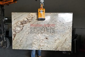 Juparana Bordeaux Granite 70