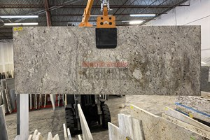 Typhoon Bordeaux Granite 75