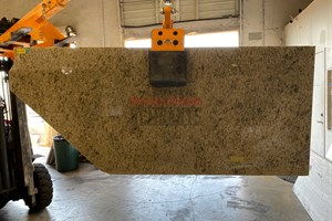 caramelo Gold Granite 47