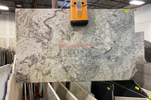 Typhoon Bordeaux Granite 58